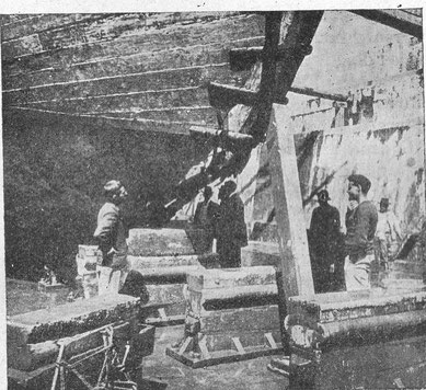 Les avaries du Français photographiées en cale sèche en Buenos Aires à son retour du pole en 1905