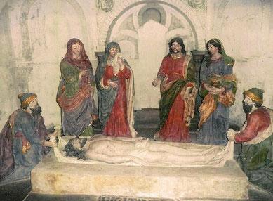 """""""La mise au tombeau"""", groupe sculpté des Ateliers Guérin (milieu XVIII-ème), crypte de l'église de Brélévenez à Lannion"""
