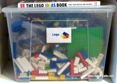 Caja con piezas de Lego - www.AorganiZarte.com