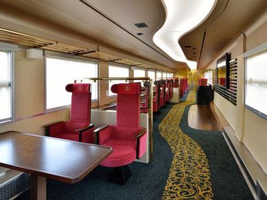 内装にも友禅のオールドコレクションをあしらったり、輪島塗の図柄を表現したりと、車両全体で「北陸の美」を満喫できる特別列車です。
