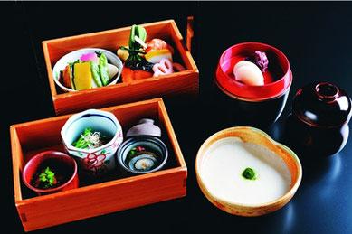 北大路魯山人がひいきにした『平八茶屋』のとろろ飯。