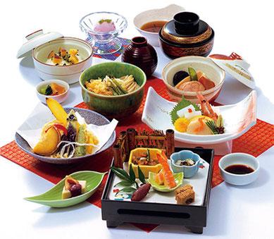 川越に伝わる伝統の味覚に、さまざまな趣向を凝らした「芋会席膳」。