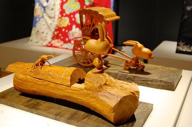 飛騨一位一刀彫の「クワガタとスヌーピー」