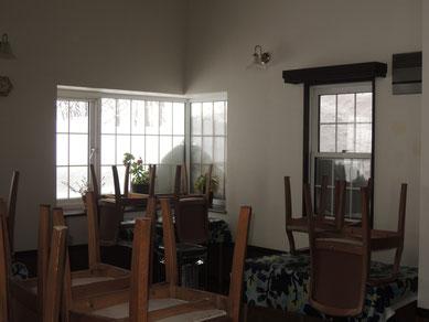3/16撮影。ダイニングルームの窓から見える雪(2)