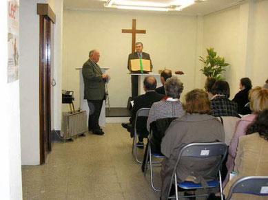 Evangelischer Gottesdienst in einer kleinen spanischen Gemeinde (Quelle: 3.bp.blogspot.com)