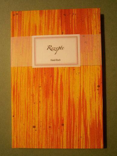 (Apfel-)Hand-Buch, Foto: S. Kerkhoff