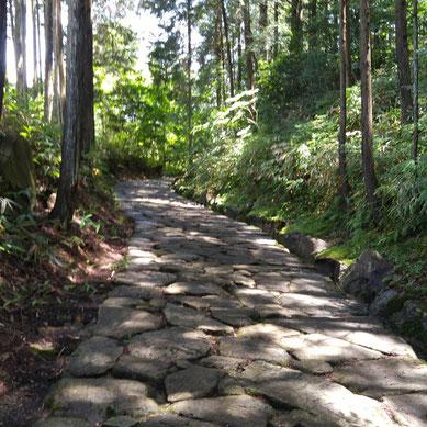 中山道 落合の石畳