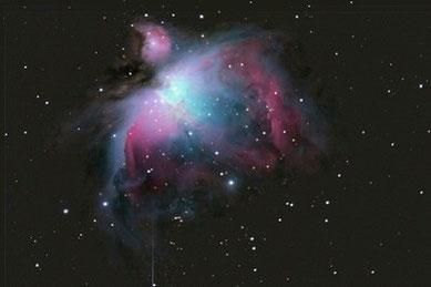 M42 - Orionnebel am 12.02.2009, Celestron C9.25 (CG-5GT) mit Focalreducer, Canon EOS 450D im Primärfokus, 1.480 mm, f/6.3, 12x60sec + 10x30sec, ISO 1600 ohne Guiding