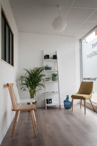 Salle d'attente Cabinet Chiropratique Lit-et-Mixe