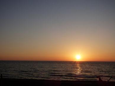 夕日のグラデーション いつ見ても癒されます。