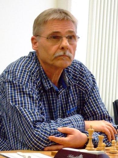 Volker Mittmann remisierte gegen einen starken Gegner (Foto: A. Obdenbusch)