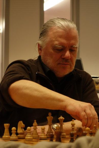 Wilfried Uhlich baute die Führung zum wettkampfentscheidenden 5,0:2,0 aus (Foto: A. Obdenbusch)