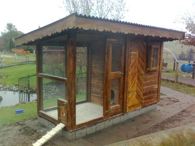 Hühnerstall / Geflügelstall / Hühnerhaus