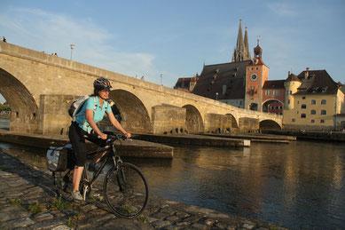 Die Steinerne Brücke in Regensburg/Fotograf: Gerhard Eisenschink