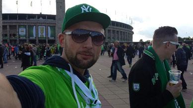 Alexander Bolger vor dem Berliner Olympia-Stadion
