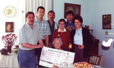 Ferdinand Uecker (von links), Michael Meixner, Michael Kühn, Gunhilde Hecker, Elfriede Fliedner (sitzend), Manfred Wille und Bettina Zöckler