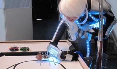 LED-Anzug lockt spido an