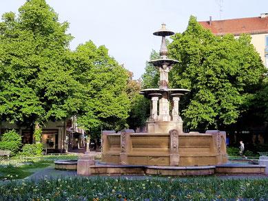 Der Glaspalastbrunnen am Weißenburger Platz in München-Haidhausen, gleich um die Ecke von der Praxis von Teresa Janik-Konecny