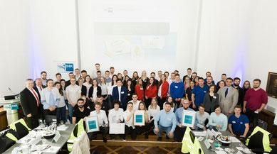 """Gruppenfoto beim AZUBI-Wettbewerb """"Energie-Scouts Niederrhein 2018/2019"""