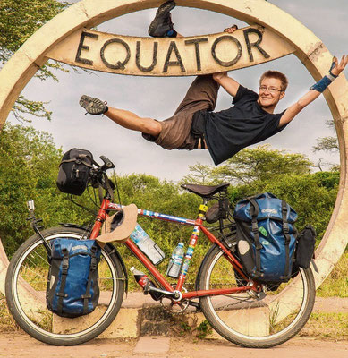 In Uganda überquerte Jan Hörster den Äquator.sh:z