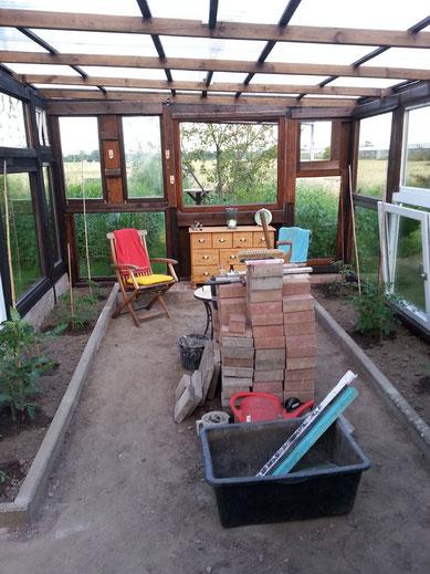 unser gew chshaus h hnerstallbau outdoor k chenbau gew chshausbau hochbeet aus naturstein. Black Bedroom Furniture Sets. Home Design Ideas
