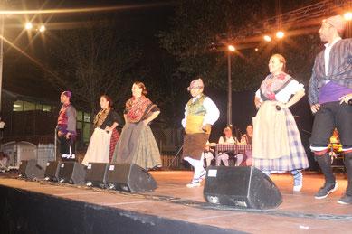 Momento del baile en la Plaza del Valles.
