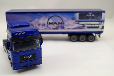 camion MAN modèle réduit 1/43 NEW RAY