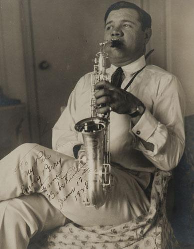 Nella foto Babe Ruth al Sax