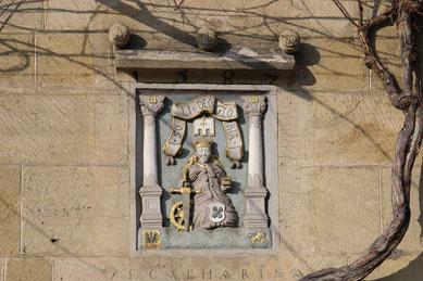 © Traudi - Relief der Heiligen Katharina am Kielmeyerhaus