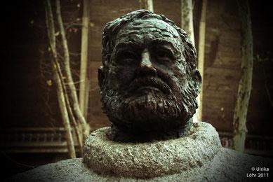 Hemingway Denkmal in Pamplona