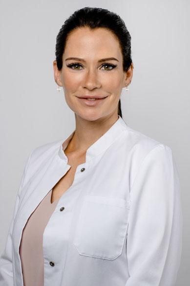 Sabine Globisch, selbstständige Heilpraktikerin, verheiratet, 1 Kind