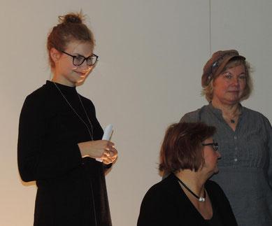 Das sind die Poeten des ersten Blocks. Janne Stricker, Marion Pohl und Gudrun Krawitz. (v.l.n.r.)
