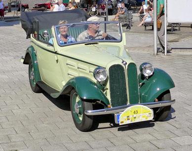 Dieser Wagen und seine Piloten hatten die weiteste Anreise denn sie kamen aus Dresden.
