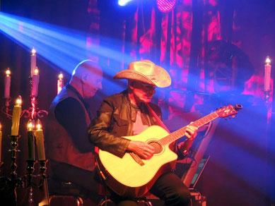 Manfred Hennig an den Keyboards und Fritz Puppel an der Gitarre