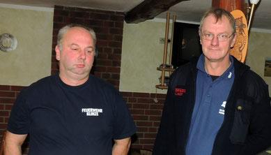 Dreizig Jahre lang sind Thomas Dörfel und Olaf Klas im Brandschutz tätig. Auch sie bekamen eine Urkunde nebst Anstecknadel.