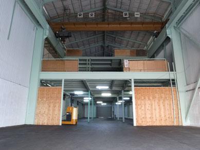 倉庫内写真1 階東側