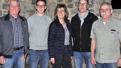 von links: Klaus Elze (1. Vorsitzender), Jonas Schäbler (Kassier), Karin Eckert (Schriftführerin), Johannes Freudenberger (2. Vorsitzender),  Andreas Engel (ehemaliger Kassier)