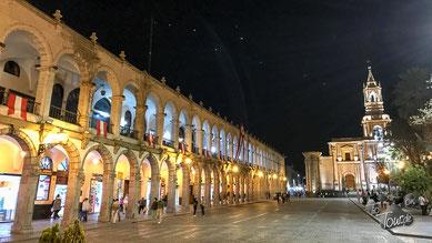 Arequipa am Abend - beleuchtete Plaza
