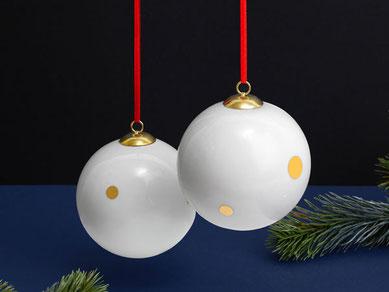 Weihnachtskugel Gold Punkte Porzellan