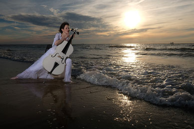 Ravienne Art Model - Foto, Strand, Meer, Domburg, Cello, Sonnenuntergang