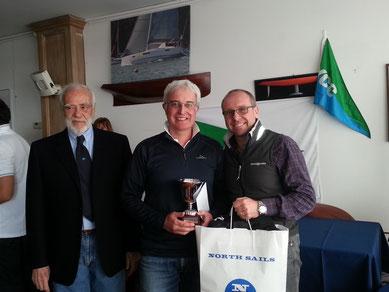 I vincitori premiati dal Presidente dello Y.C. Chiavari Franco Savazzi