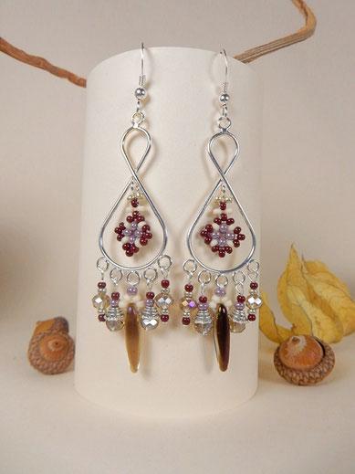 """""""Infinity"""" orecchini a forma di otto, con perline marrone e lilla"""