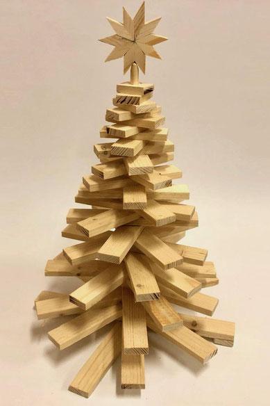 Tisch-Christbaum aus Holzleisten ca. 48cm hoch