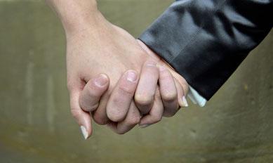 Hochzeit Hochzeitsredner Hamburg Trauung Vermählung Ehe Hochzeitsagentur Hochzeitsplaner Eheversprechen Ehe-Versprechen Treue
