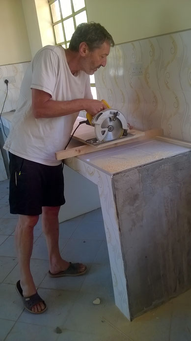 Siggi at this Sunday workt... building a filling cabinet...