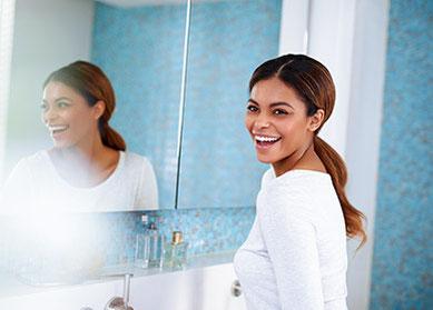Mit schönen Zähnen haben Sie gut Lachen: schonendes Bleaching mit ZOOM!