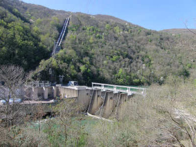 Usine hydroélectrique du Pouget sur la Tarn