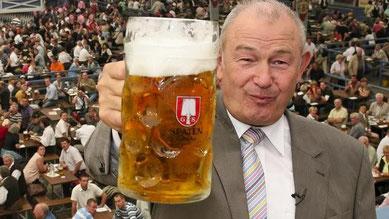 Selbst Günther Beckstein erzählte dem Oberpfalz Anzeiger kürzlich nach zwei Maß Bier, dass er die Bestrebungen des Hohenlohener Gemeinderats hinsichtlich der Biertaxe unterstüzt.