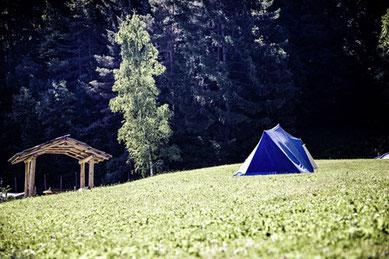 geschenkideen teenager persönliche geschenke  Sommerferien balkon urlaub zuhause Zelten im Garten