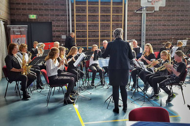 more music hele orkest agnes snippe